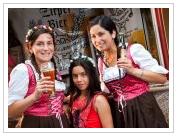 Zirpel Bier Cerveza Artesanal, Fiesta de la Cerveza Casino Familiar Complejo Turístico Villa Baviera — con Paulina Kilman, Zirpel Bier Cerveza Artesanal, Sofi Zirpel, Sara Arroyo Villegas y Complejo Turístico Villa Baviera.